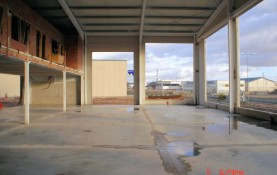 INDUSTRIAL BUILDING FOR VEHICLE AND MACHINERY DISPLAY, SALE AND REPAIR